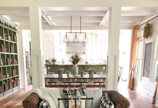 Pretty Rustic Farmhouse for fall (home tour)