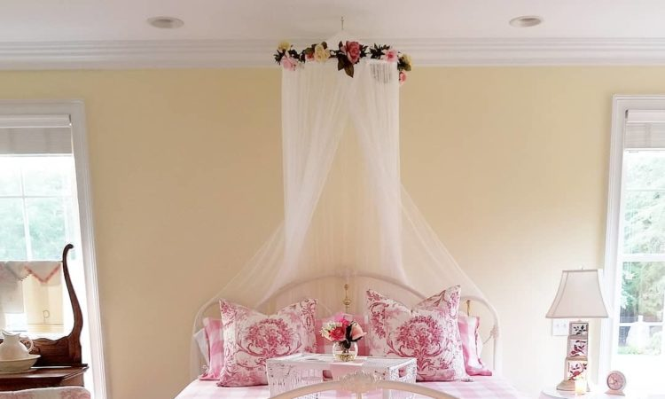 Best Shabby Chic and Pink Fall home tour.
